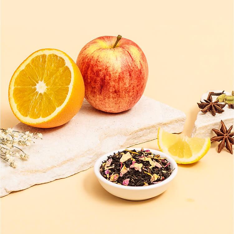 Mit Zutaten wie Sternanis, Apfelsaft, Zitrone und Zimt