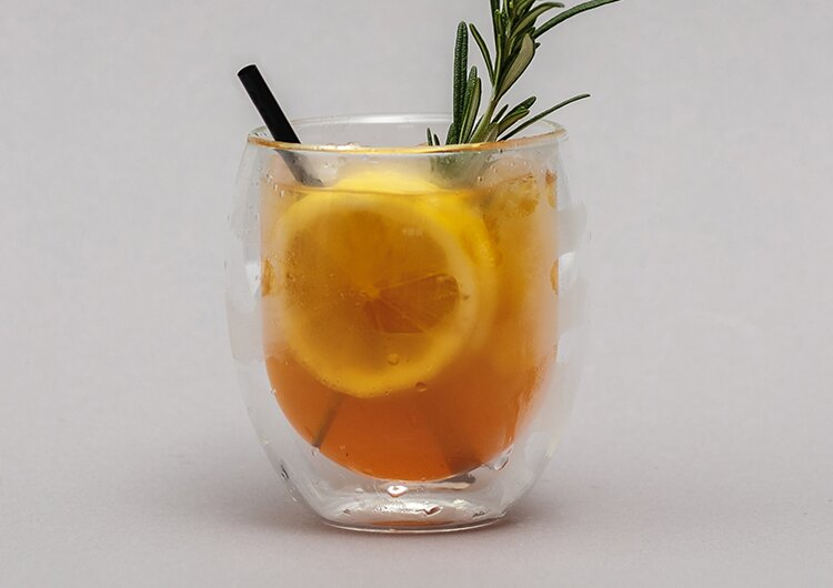 Tee stilvoll servieren und genießen im Tree of Tea Teeglas