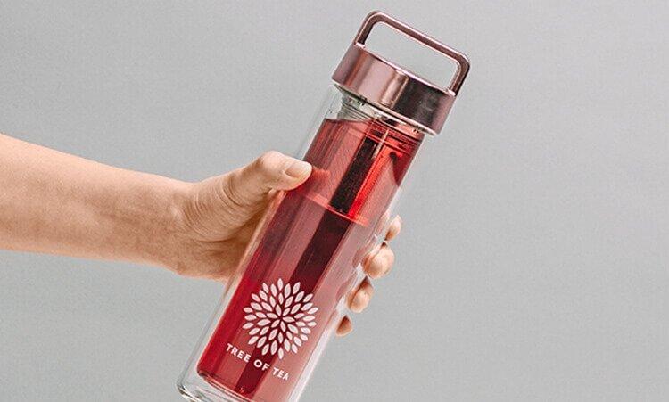 Tee unterwegs genießen in der praktischen 2go Bottle