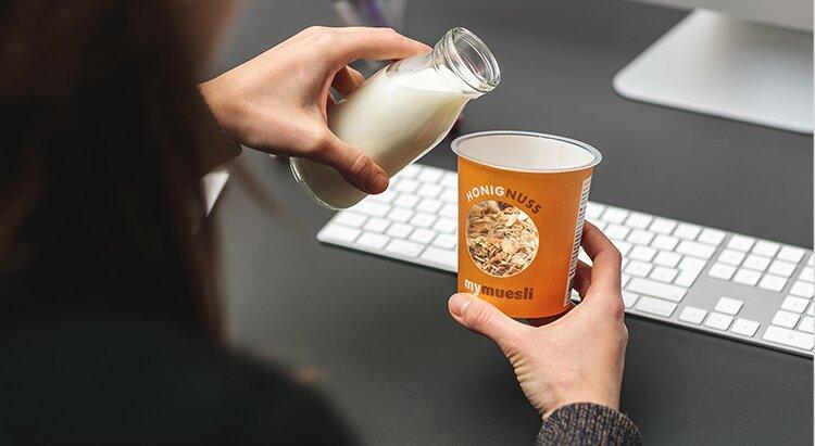 Honig Nuss Müsli 2go mit Milch