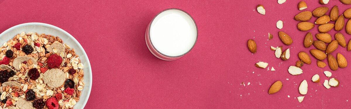 Mandelmilch ohne Zuckerzusatz, rein pflanzlich und von Natur aus laktosefrei.