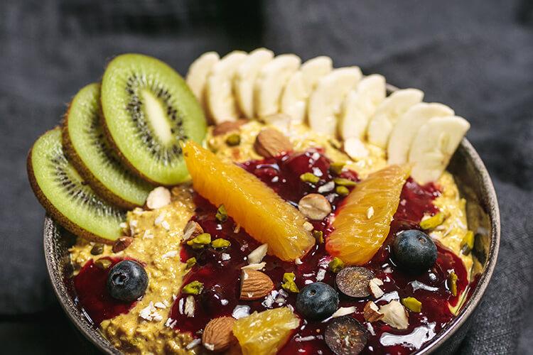 Aromatische Bananenstückchen machen Deinen Porridge perfekt