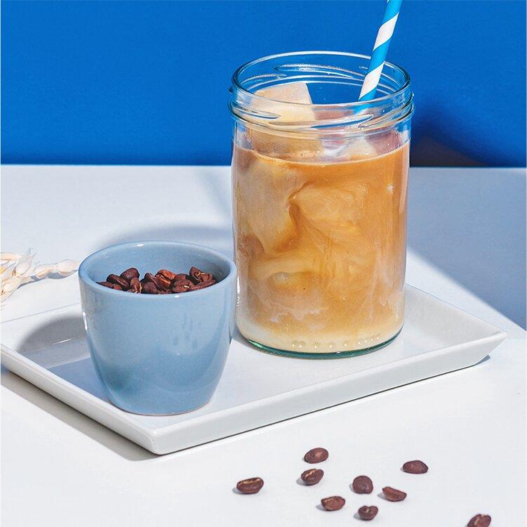 Eiskaffee mit leckeren Hafer Nilk Eiswürfeln