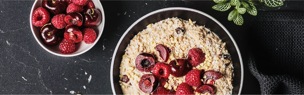 Fruchtige Kirschen verzaubern Deinen Porridge