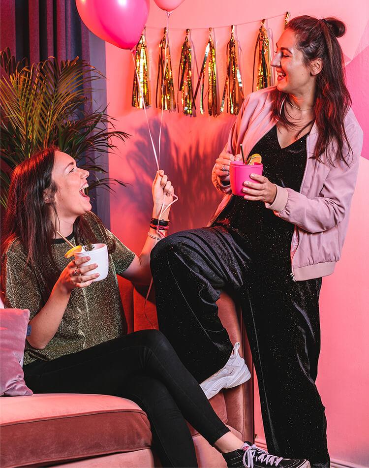 2 Teammitglieder von mymuesli - Dominique und Stacy feiern zum Jubiläum