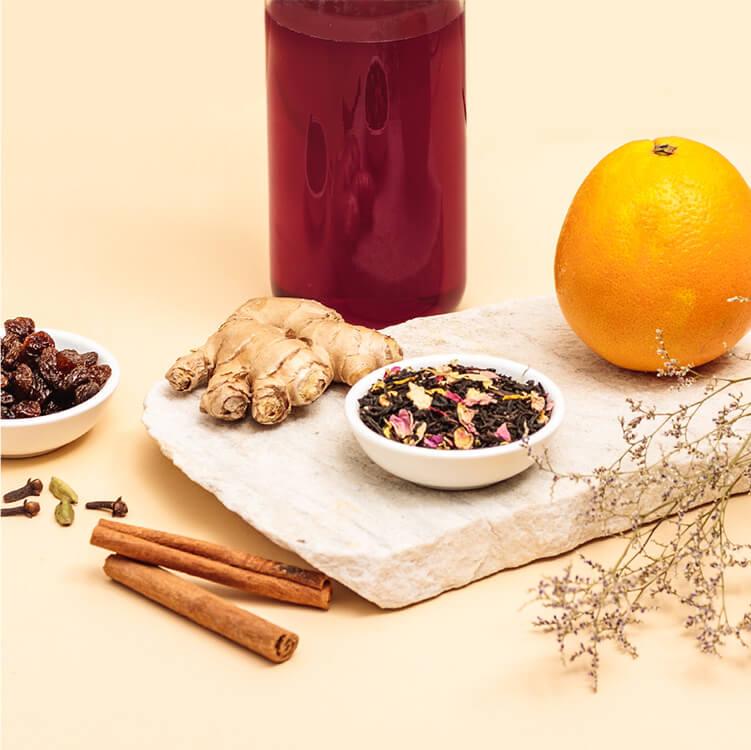 Mit Zutaten wie Ingwer, Rosinen, Orange, Nelken und Zimt