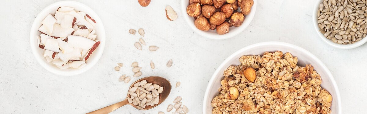 mood-desktop-crunchy-nut-granolaclusters01.jpg