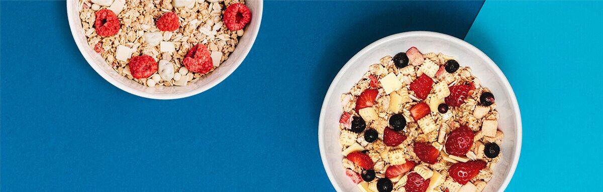 Leckere und fruchtige Müsli mit frischen Bio-Früchten und exklusiven Jubiläumszutaten.