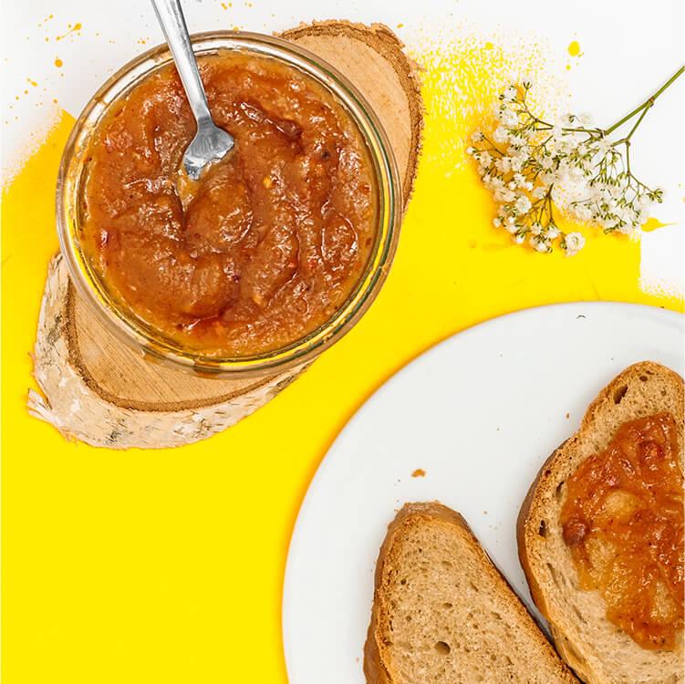 Süße Marmelade aus frischen Pfirsichen und dem Peachy June