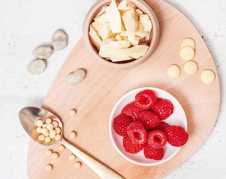 Schokobaellchen, Cranberry-Chocs und Himbeeren
