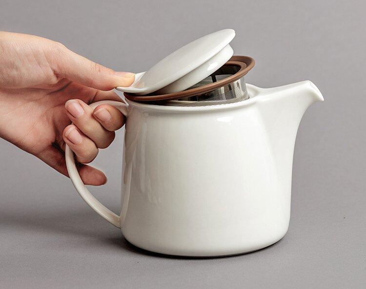 Teekanne mit japanischen Design.