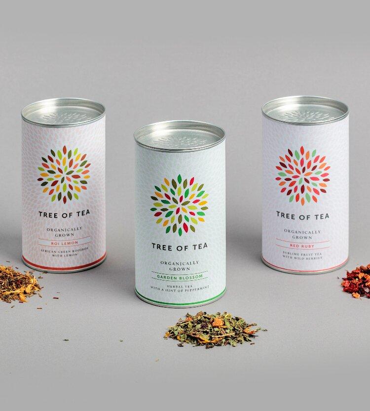 Drei bunte Teesorten im Set
