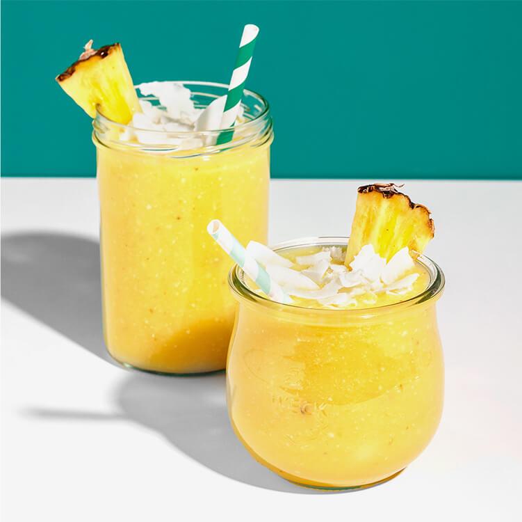 Pina Colada Smoothie – mit Ananas und Kokos verfeinert