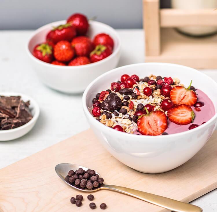 Berry Coconut Choc Muesli Fruehstueck
