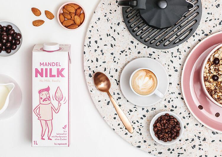 Bio-Mandelmilch als natürliche Eiweißquelle