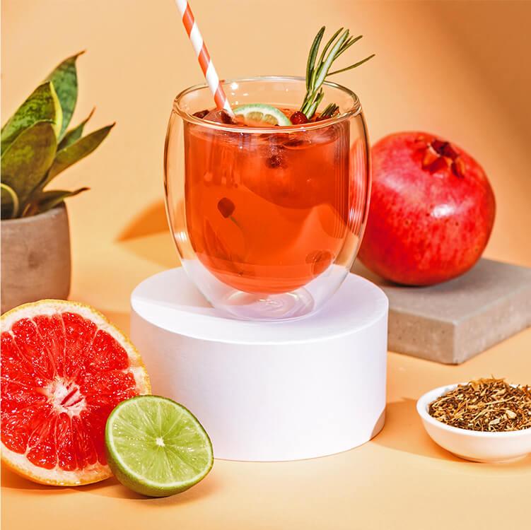 Fruchtiger Granatapfel Grapefruit Eistee mit dem Roi Lemon