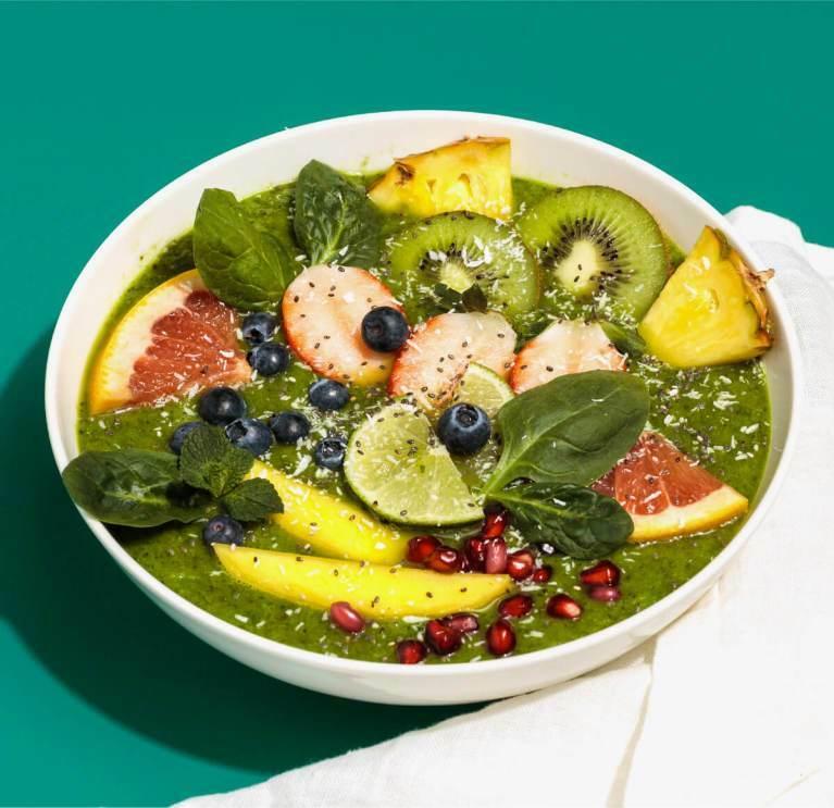 Grüne Smoothie Bowl mit Kokos Nilk