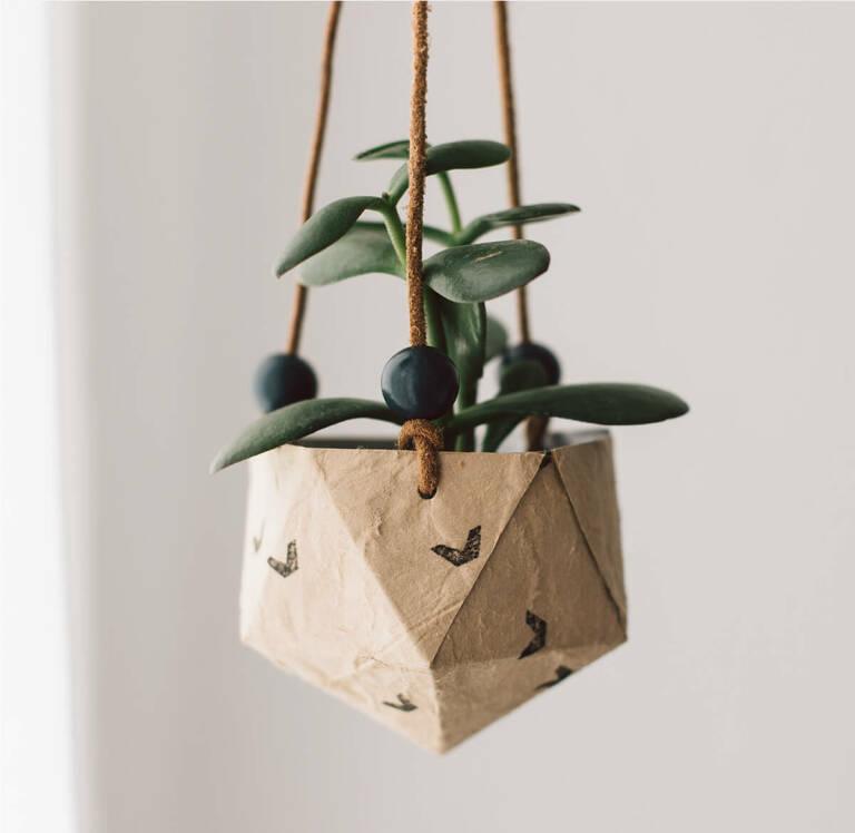 DIY Blumentopf aus einer alten Nilk Verpackung