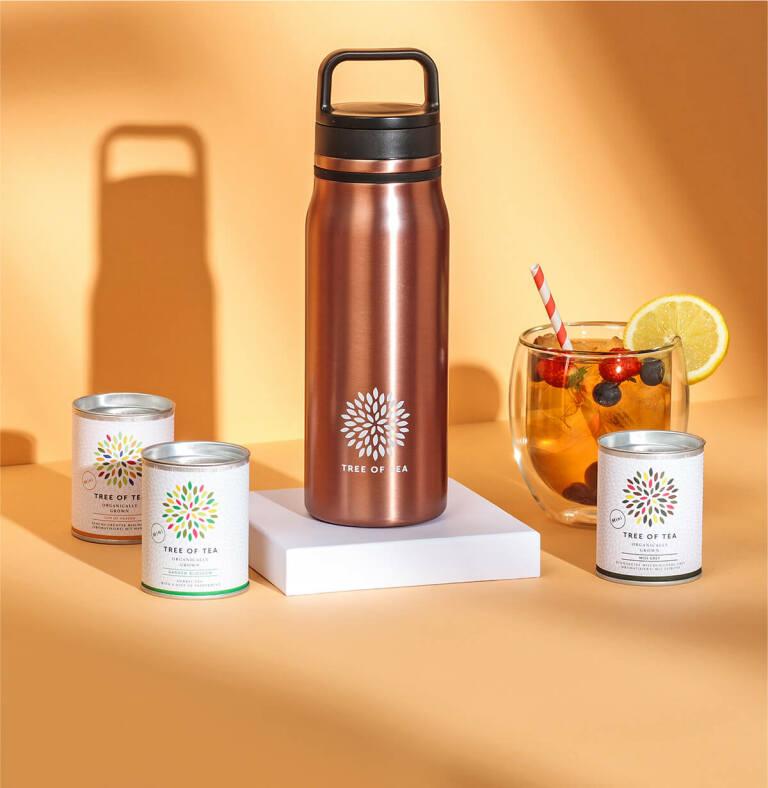 Tee unterwegs kalt oder heiß genießen mit unserer Thermo Bottle 2go.