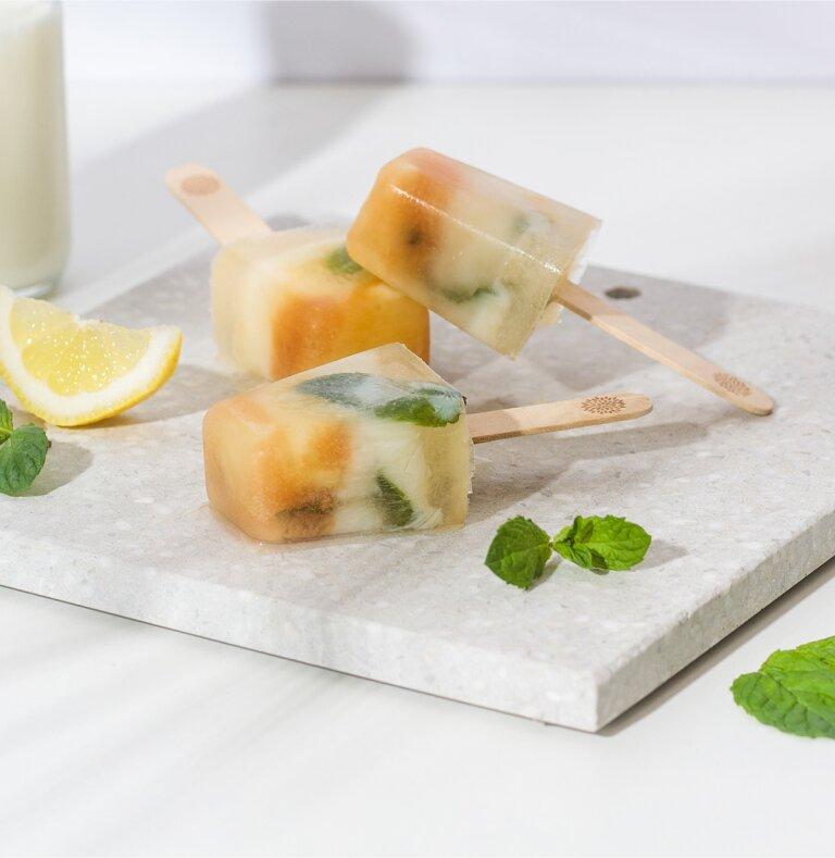 Zitronen Buttermilch Eis mit Roi Lemon Rooibostee
