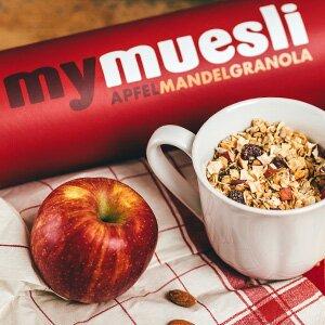 Apfel-Mandel-Granola enthält knackige Mandeln, die den Kuchen schön knusprig machen