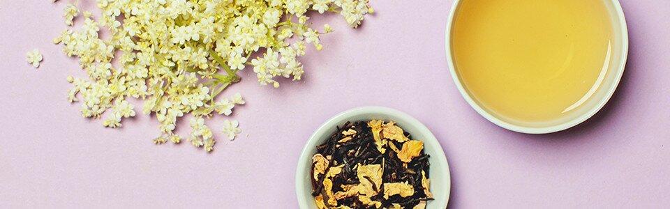 Aromatisiert mit Jasmin- und Holunderblüten. Jasmintee von Tree of Tea.
