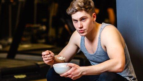 Müsli mit Chia-Samen für Sportler