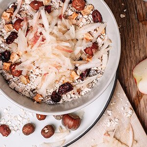 Rezept für Müsli mit frischen Birnen und Nüssen